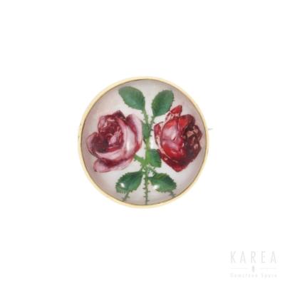 Brosza dekorowana motywem róż wtechnice intaglio KAREA ID 000474
