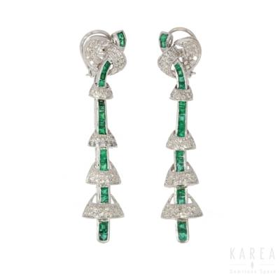 Kolczyki długie w typie art déco ze szmaragdami i diamentami aukcja KAREA ID 000533