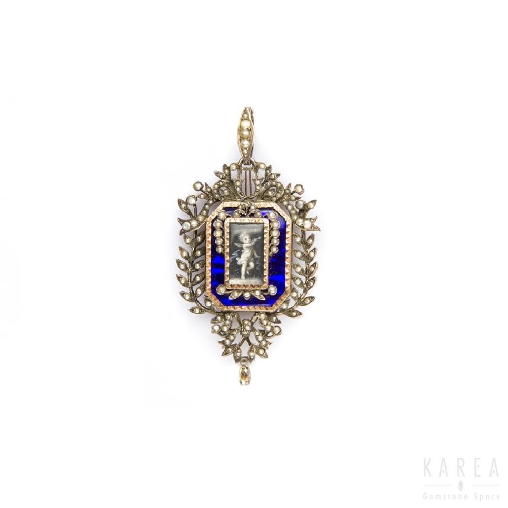 Medalion emaliowany zmotywem harf Francja XIX wiek zmiejscem nafotografie KAREA ID