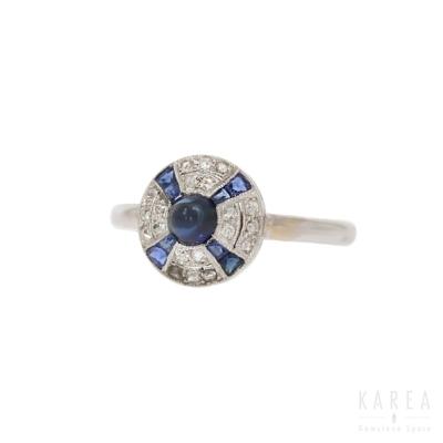Pierścionek art déco z szafirem w szlifie kaboszon i diamentami KAREA ID 000453