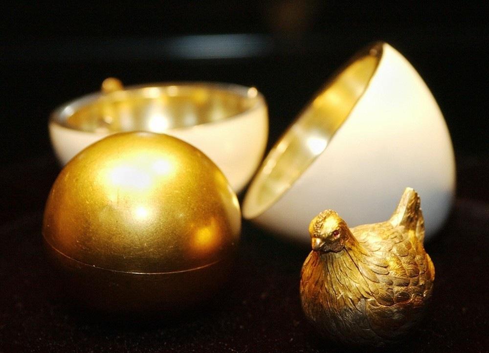 Jajko zkurką (Hen Egg), 1885. Pierwsze wielkanocne jajo cesarskie