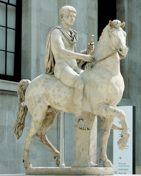 Marmurowy posąg przedstawiający cesarza Kaligulę naIncitatusie, Iw. n.e., dziś wBritish Museum